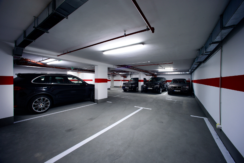 Parking for guests in Boutique Hotel 9