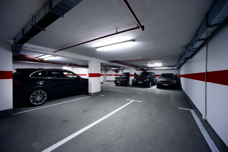 Parkiralište za goste Boutique Hotela 9